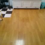 汚れたラグを撤去します。丸洗いできるもの・掃除のしやすさって大切。