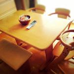 もうすぐ10年モノになるダイニングテーブルの買い替えをどうするか。