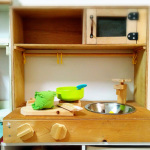 母のDIY。材料費ゼロ円で子どものおままごとキッチンを手作り。