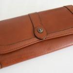 Dakotaの長財布。想像以上に手になじみ、使い勝手も好みのものでした。