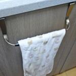 【ナフコ】キッチンのタオルかけを新調。シンプルなものに取り替えました。