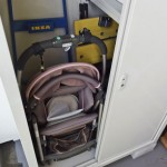 バルコニーがスッキリしました。スキー用品を手放して収納庫にほぼ収納完了。