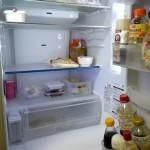 からっぽの冷蔵庫なのに、賞味期限切れを見つけてしまったときの衝撃。