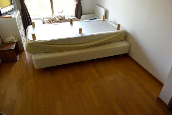ベッドの下の掃除