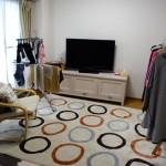 部屋干しをしても部屋が狭くない。大きなソファを断捨離してよかったと思ったこと。