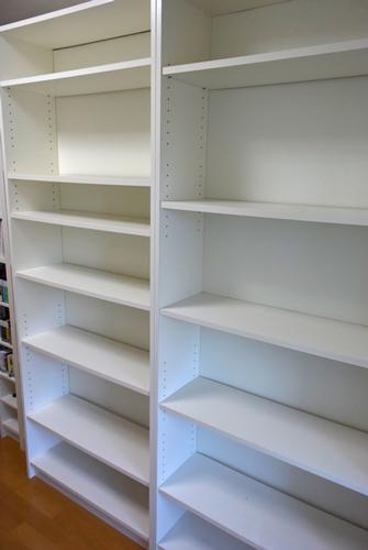 本棚もからっぽ