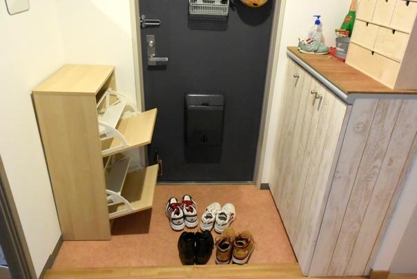 玄関の下駄箱