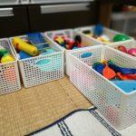収納スペースを増やすには、空間を区切ることが有効。学んだことを即実行しておもちゃの収納改善に