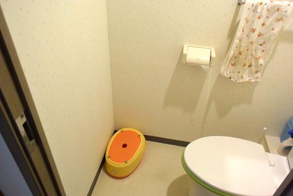 殺風景なトイレ